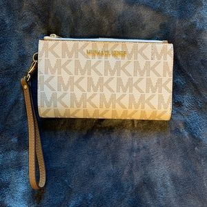 BRAND NEW - Michael Kors Wallet